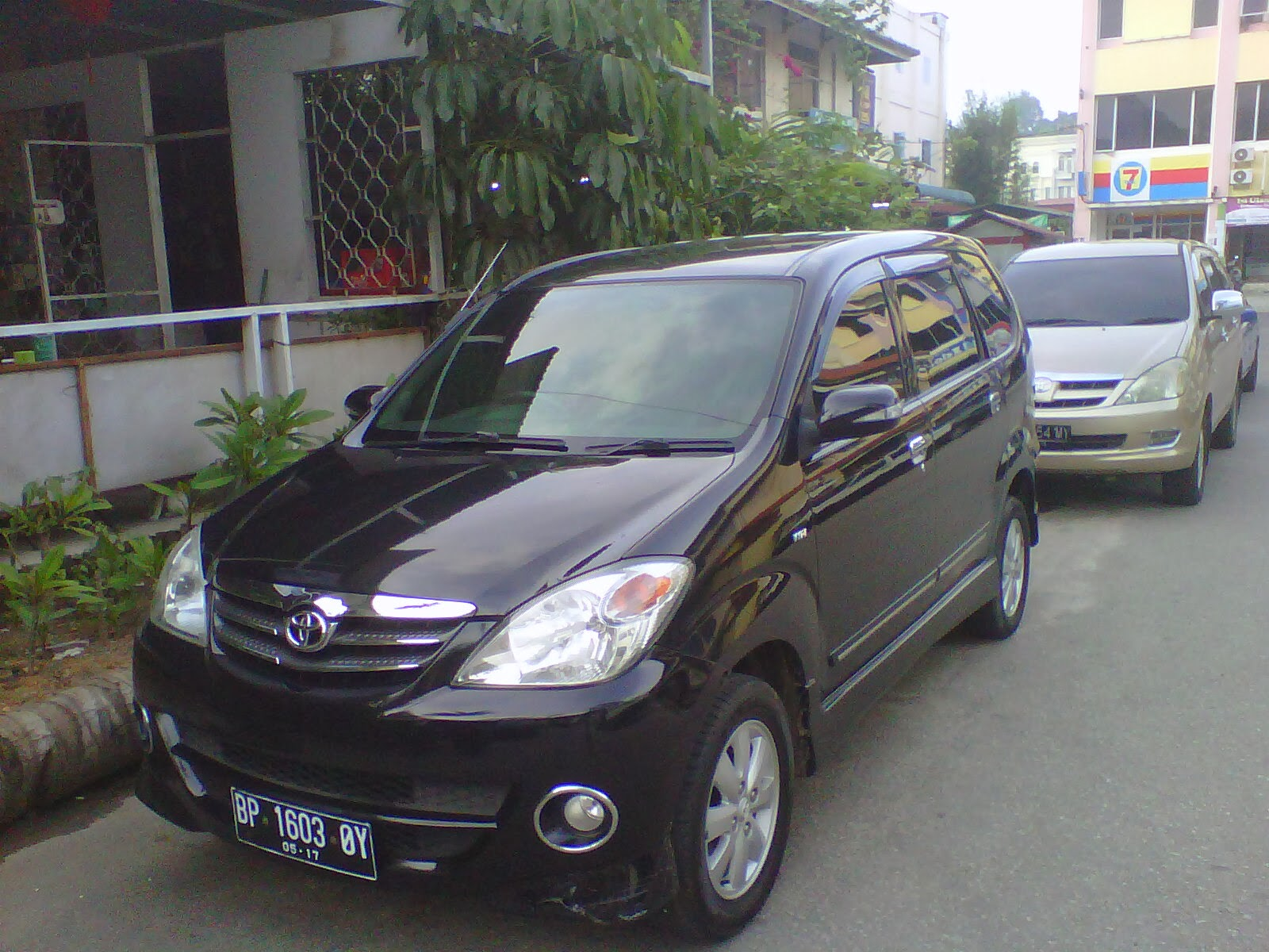 Batam driver 7 Seater Vehicle