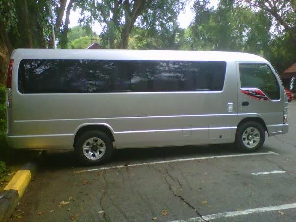 19 Seater Minibus Isuzu ELF